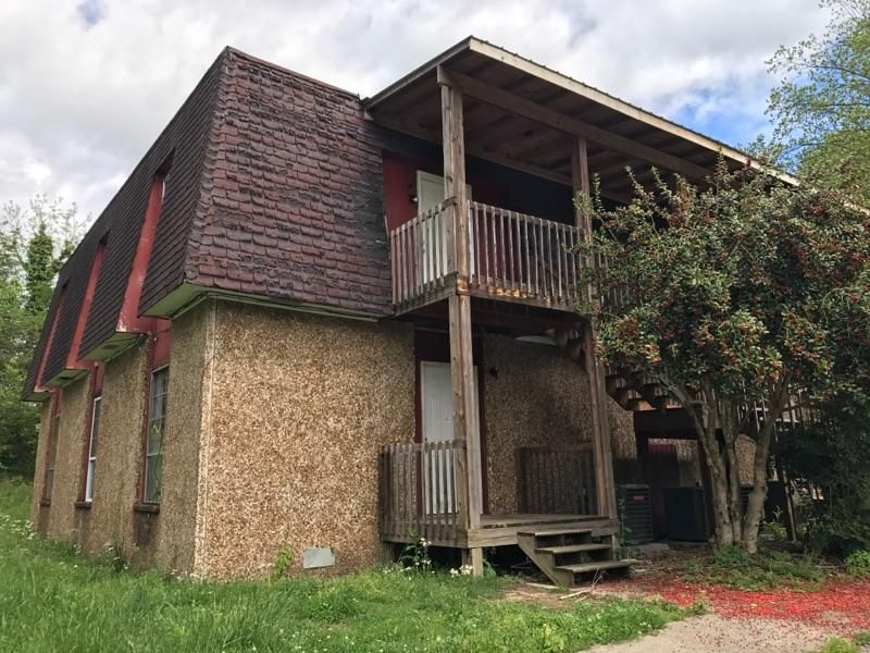 Additional photo for property listing at 210 N Douglas Avenue  Rockwood, Tennessee 37854 États-Unis