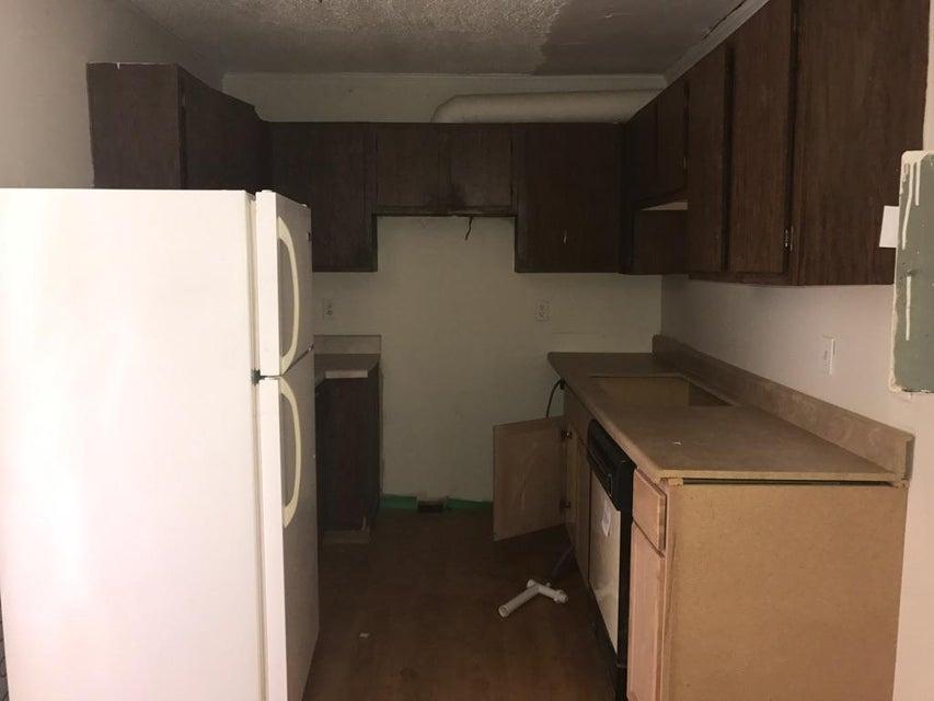 Additional photo for property listing at 210 N Douglas Avenue  Rockwood, Tennessee 37854 Estados Unidos