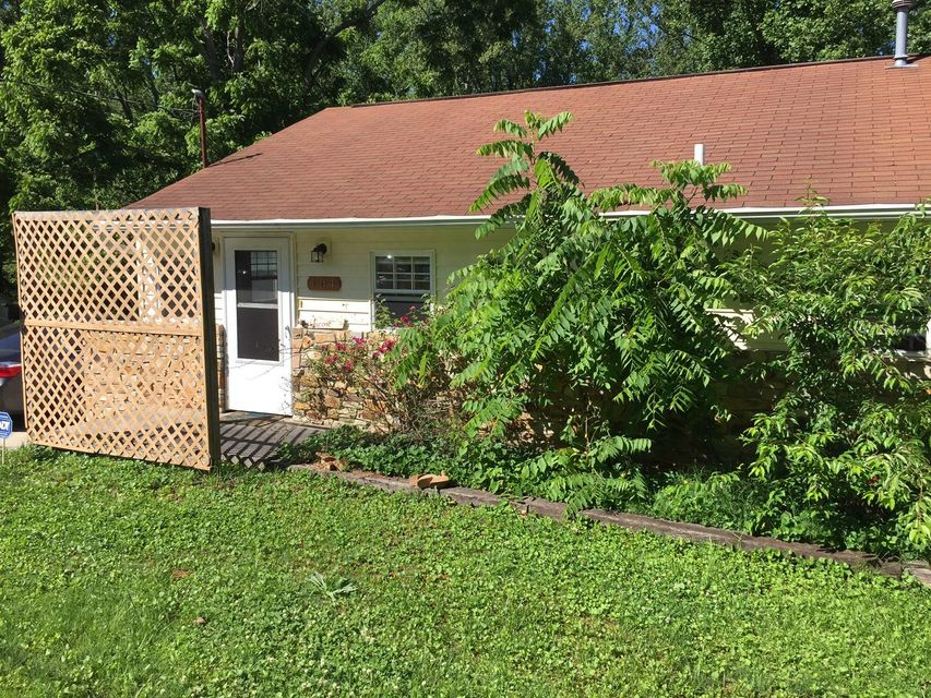 Additional photo for property listing at 104 Wellington Circle  Oak Ridge, Tennessee 37830 United States