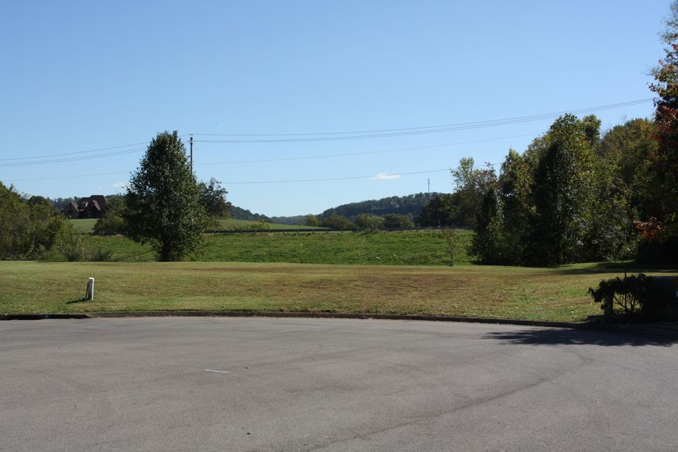 Additional photo for property listing at 7551 Willow Spring Drive  Knoxville, Tennessee 37938 États-Unis