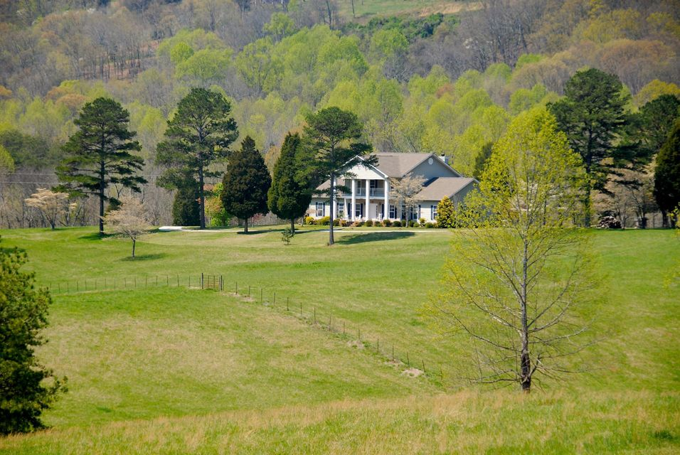 Частный односемейный дом для того Продажа на 300 Brunner Road Sweetwater, Теннесси 37874 Соединенные Штаты