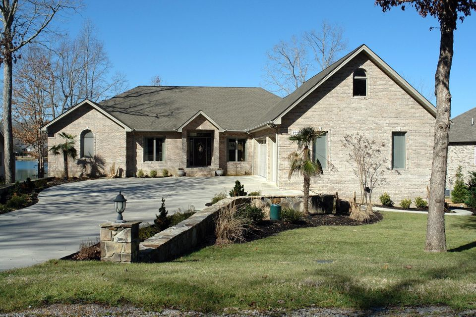 Single Family Home for Sale at 199 Markham Lane Crossville, Tennessee 38558 United States