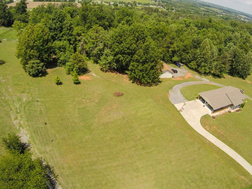 Additional photo for property listing at 5320 N Trigonia Road 5320 N Trigonia Road Greenback, Tennessee 37742 États-Unis