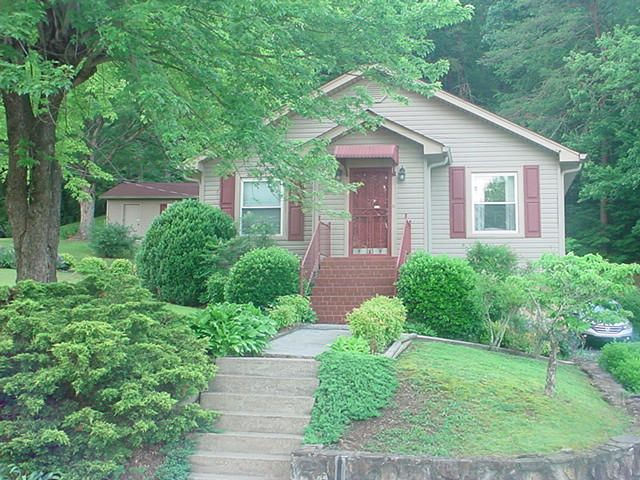 Single Family Home for Sale at 214 Siler Street Jellico, Tennessee 37762 United States