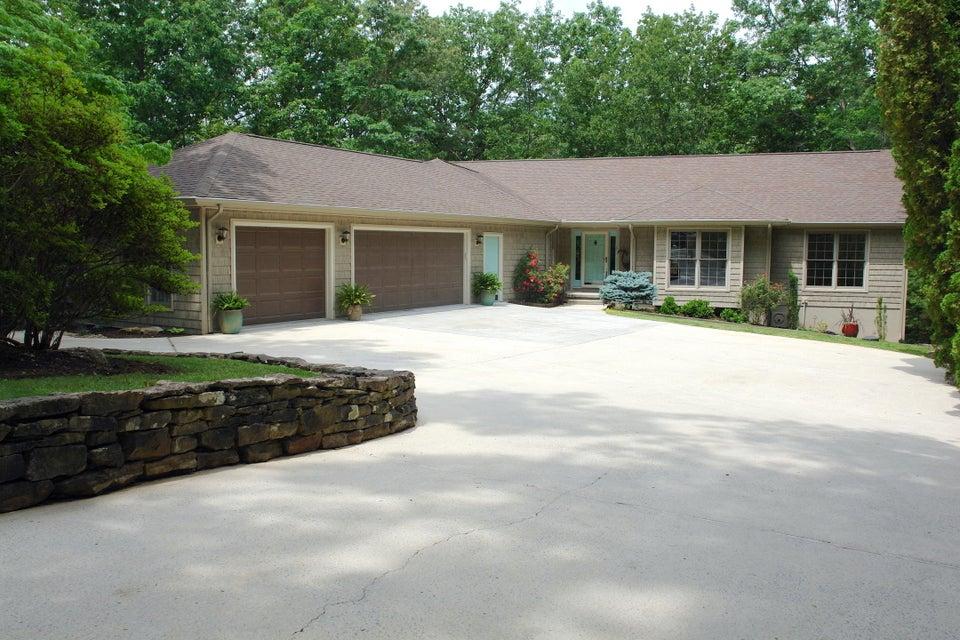 Casa Unifamiliar por un Venta en 44 Overlook Circle 44 Overlook Circle Crossville, Tennessee 38558 Estados Unidos