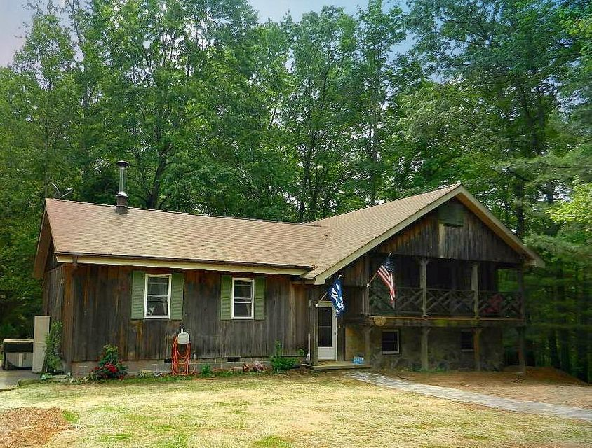 Single Family Home for Sale at 143 Powers Road Oakdale, Tennessee 37829 United States