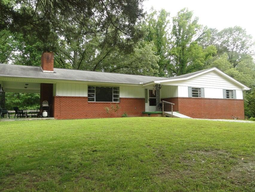 Частный односемейный дом для того Продажа на 928 S Main Street Lake City, Теннесси 37769 Соединенные Штаты