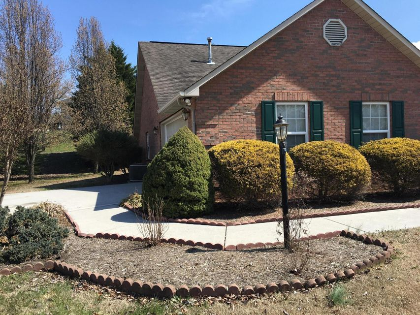 Additional photo for property listing at 1930 Chelsea Jo Lane 1930 Chelsea Jo Lane Sevierville, Tennessee 37876 États-Unis