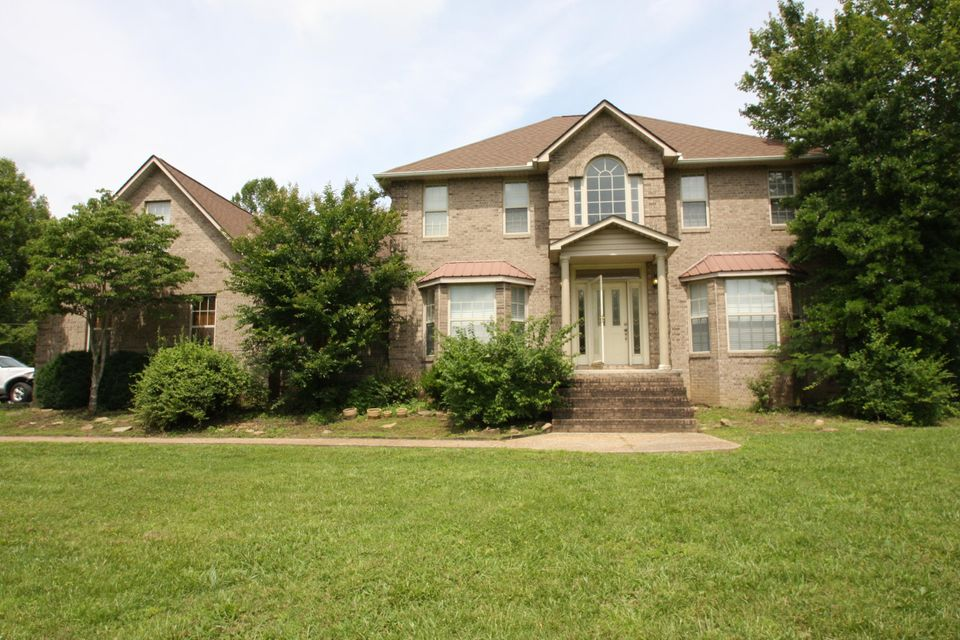Single Family Home for Sale at 108 Charles Bishop Road Wartburg, Tennessee 37887 United States