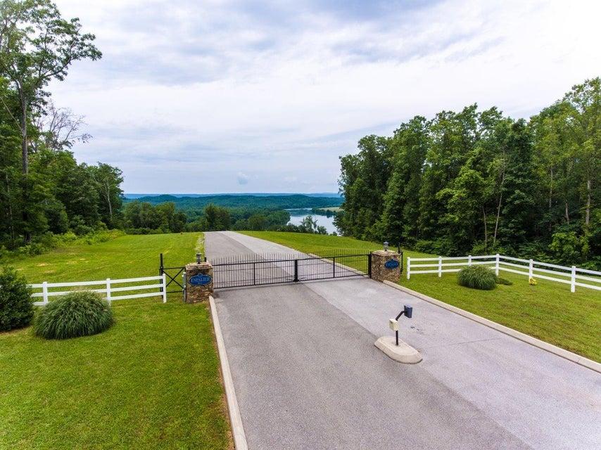 土地 为 销售 在 82 & 83 Espalier Drive 82 & 83 Espalier Drive Decatur, 田纳西州 37322 美国