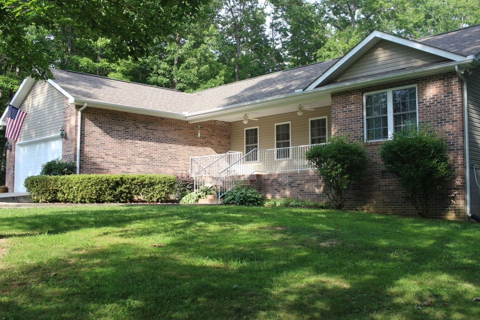 Single Family Home for Sale at 742 Wallace Way Grimsley, Tennessee 38565 United States