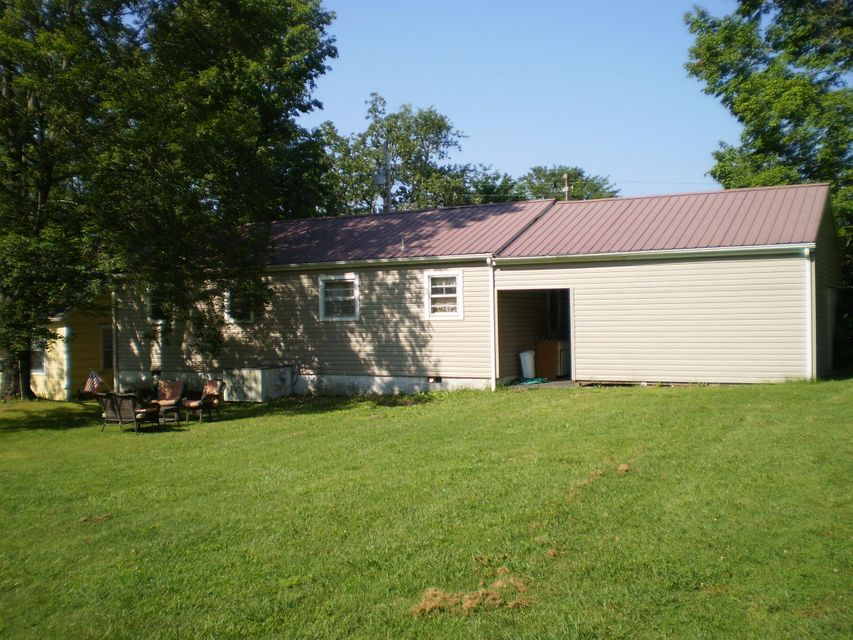 Additional photo for property listing at 836 Webb Avenue 836 Webb Avenue Crossville, Tennessee 38555 United States