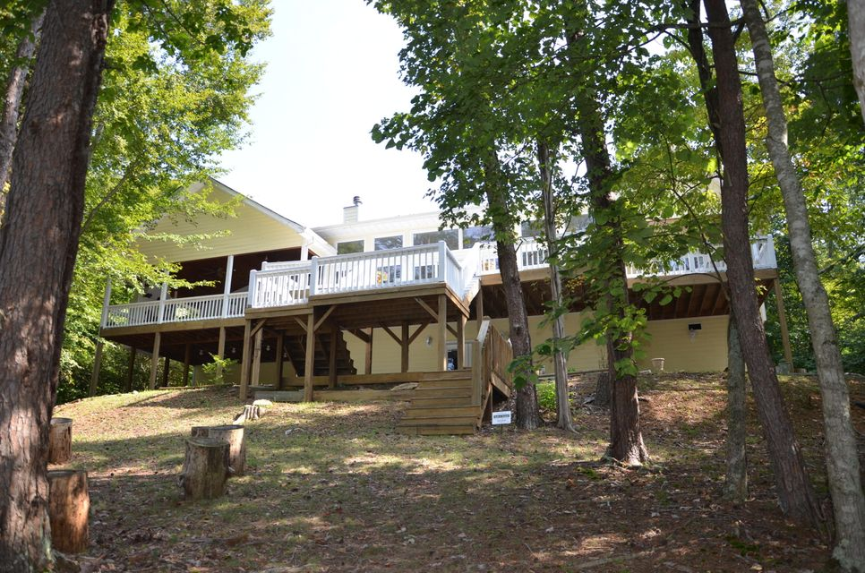 Additional photo for property listing at 370 Lick Branch Road 370 Lick Branch Road New Tazewell, Tennessee 37825 Estados Unidos