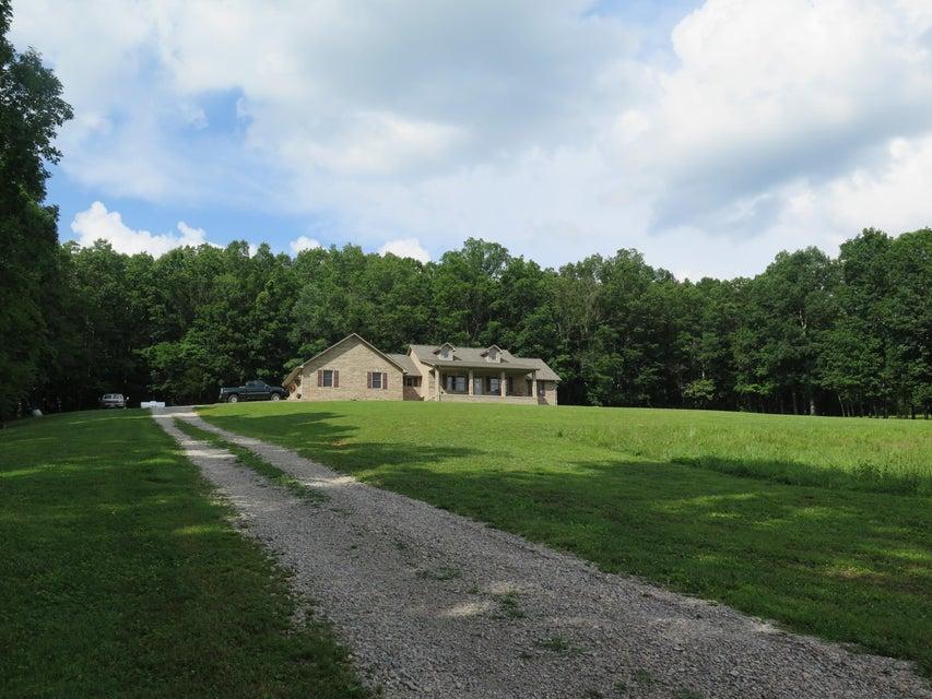 Частный односемейный дом для того Продажа на 914 Tollie Lane 914 Tollie Lane Jamestown, Теннесси 38556 Соединенные Штаты
