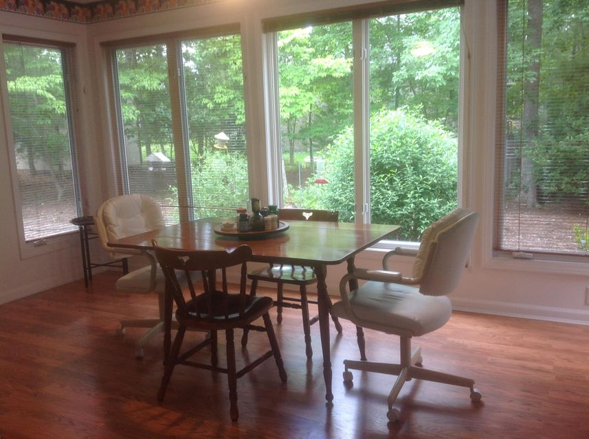 Additional photo for property listing at 120 Forest Hill Drive 120 Forest Hill Drive Crossville, Tennessee 38558 United States