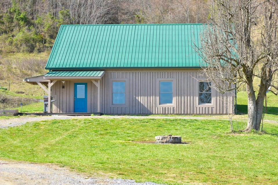 Maison unifamiliale pour l Vente à 295 Nelse Roberts Road Chuckey, Tennessee 37641 États-Unis