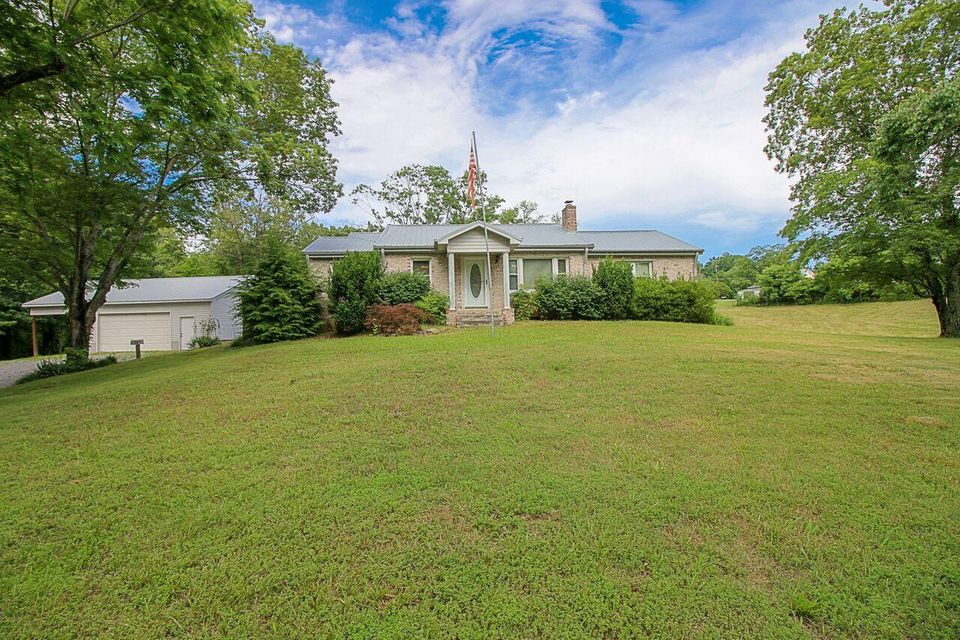 Single Family Home for Sale at 303 Cruze Road 303 Cruze Road Powell, Tennessee 37849 United States