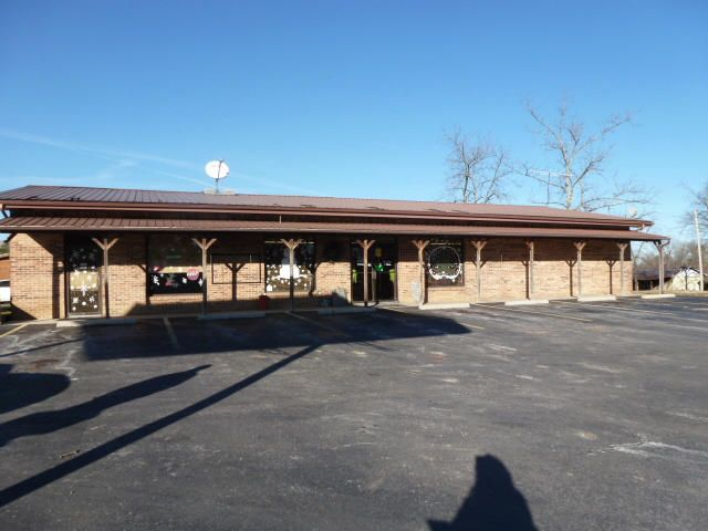Comercial por un Venta en 2001 Michigan Avenue 2001 Michigan Avenue Allardt, Tennessee 38504 Estados Unidos