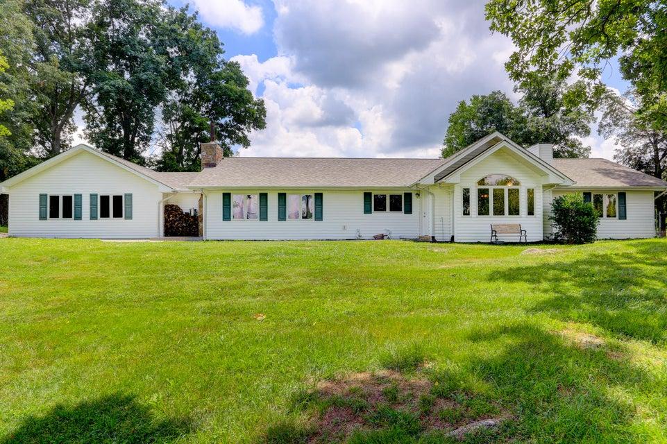 独户住宅 为 销售 在 16505 Highway 11 Philadelphia, 田纳西州 37846 美国