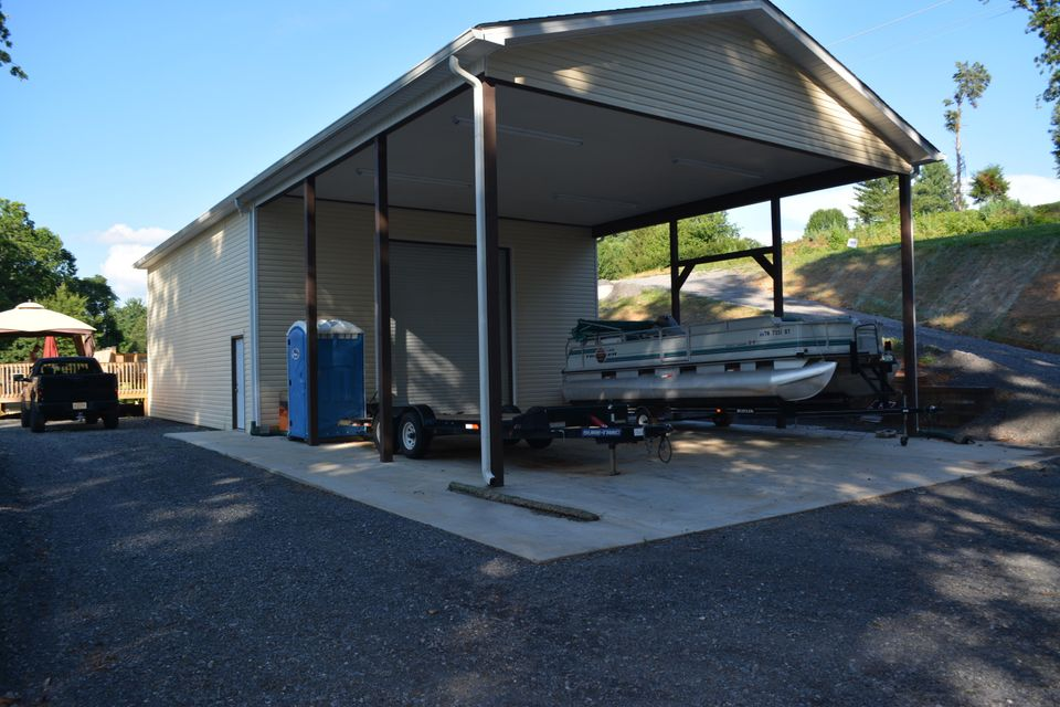 Commercial for Sale at 3618 Big Springs Road 3618 Big Springs Road Maryville, Tennessee 37801 United States