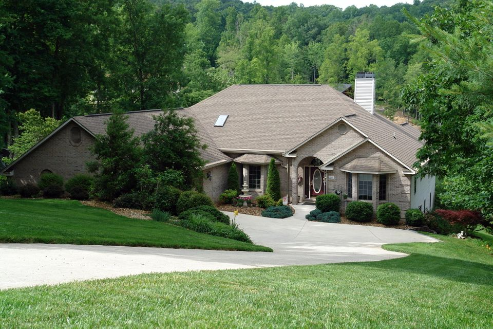Single Family Home for Sale at 118 Chatham Lane 118 Chatham Lane Fairfield Glade, Tennessee 38558 United States