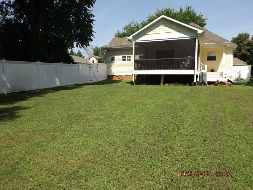 Additional photo for property listing at 208 Charleston Lane 208 Charleston Lane Maryville, Tennessee 37803 United States