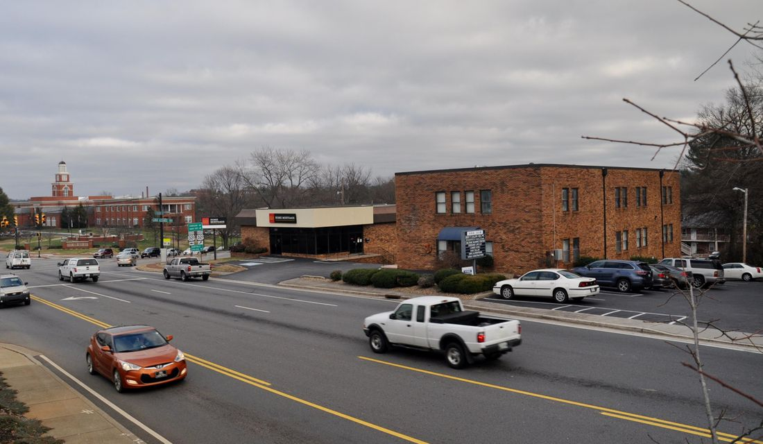 Commercial for Sale at 516 W Broadway Avenue 516 W Broadway Avenue Maryville, Tennessee 37801 United States