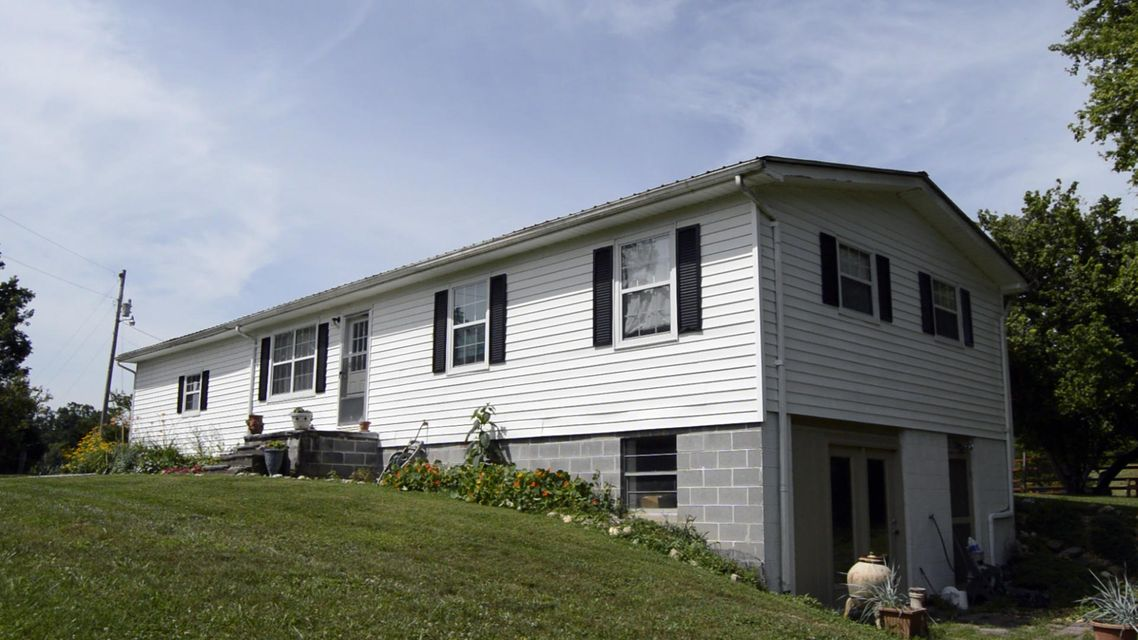 独户住宅 为 销售 在 236 Lane Hollow Road 236 Lane Hollow Road Philadelphia, 田纳西州 37846 美国