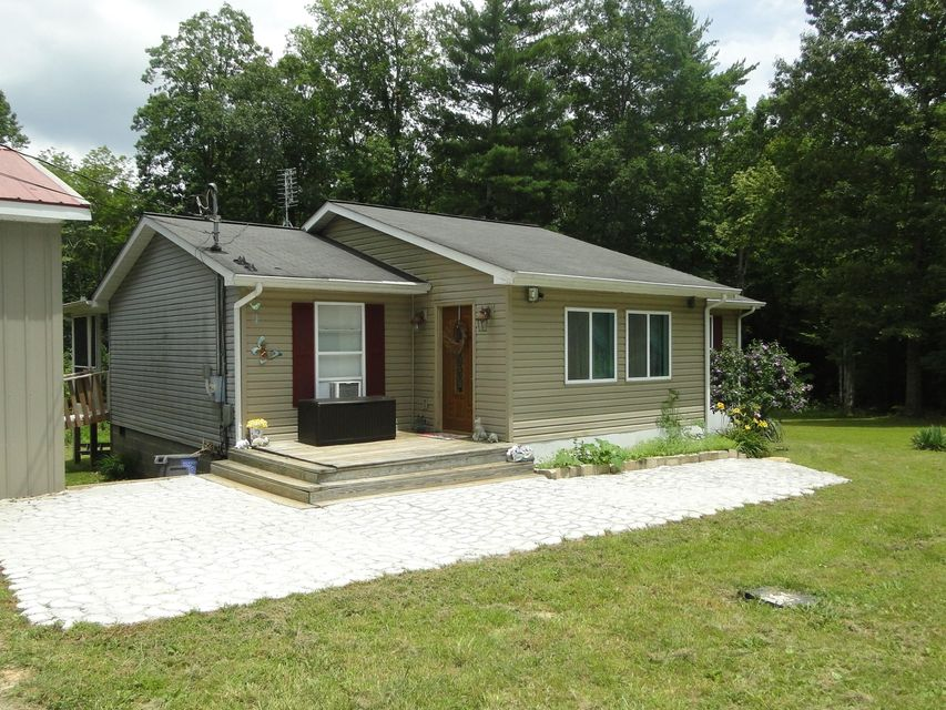 Single Family Home for Sale at 279 White Pine Estates Road Wartburg, Tennessee 37887 United States