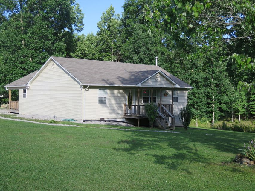Additional photo for property listing at 1426 N York Hwy 1426 N York Hwy Jamestown, Tennessee 38556 États-Unis