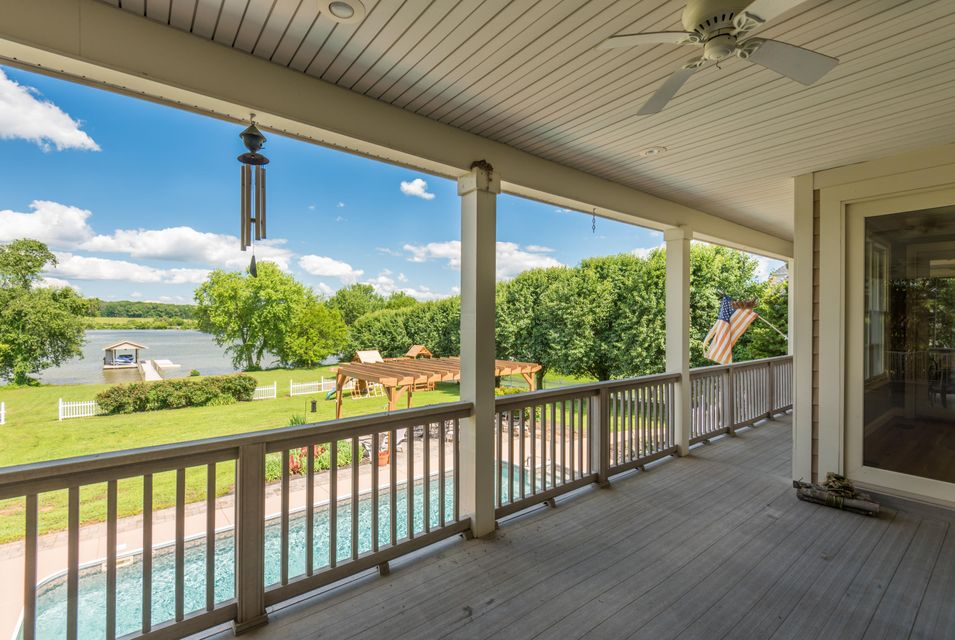 Additional photo for property listing at 3710 Riverbrook Drive 3710 Riverbrook Drive Louisville, Tennessee 37777 États-Unis