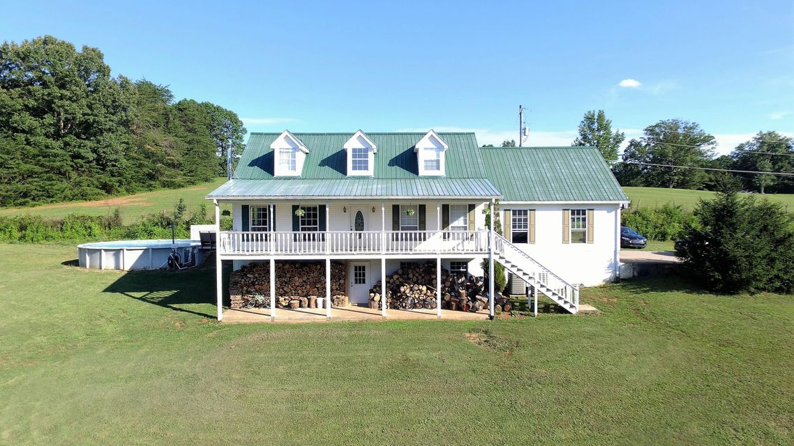 Single Family Home for Sale at 306 Highway 310 306 Highway 310 Etowah, Tennessee 37331 United States