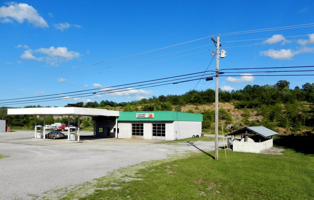 Commercial for Sale at 20992 Alberta Street 20992 Alberta Street Oneida, Tennessee 37841 United States