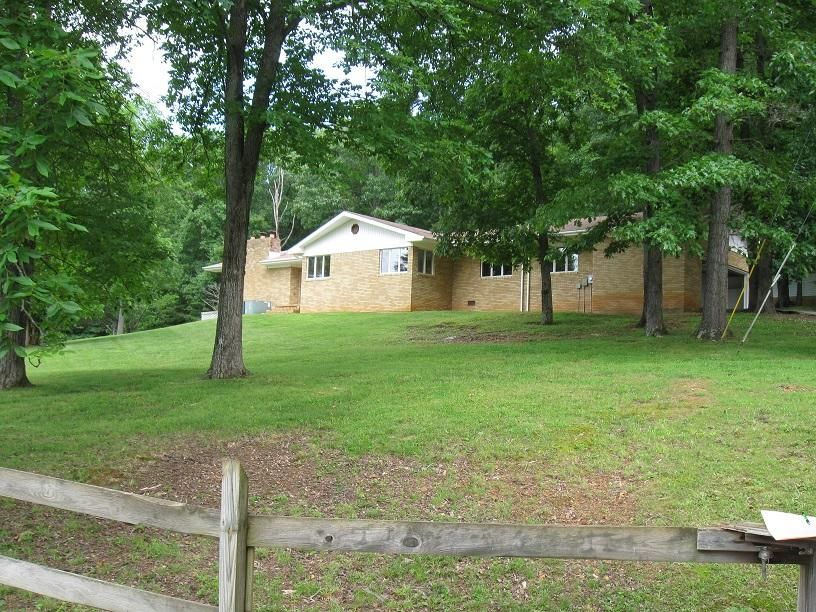 Single Family Home for Sale at 99 Crockett Road Pall Mall, Tennessee 38577 United States