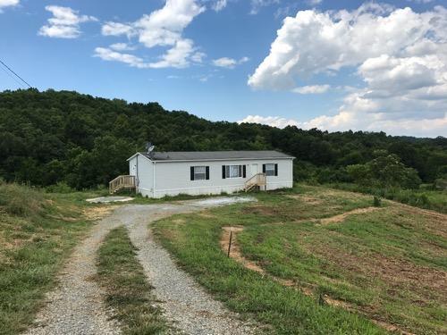Частный односемейный дом для того Продажа на 3066 Poplar Springs Road Greeneville, Теннесси 37743 Соединенные Штаты