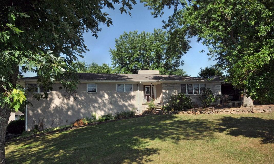 Многосемейный дом для того Продажа на 217 Hardin Lane 217 Hardin Lane Sevierville, Теннесси 37862 Соединенные Штаты
