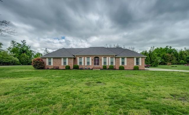 Частный односемейный дом для того Продажа на 125 Rebecca Drive 125 Rebecca Drive Crossville, Теннесси 38555 Соединенные Штаты