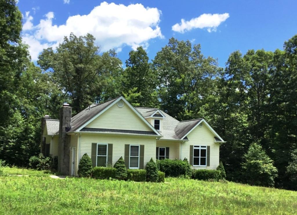 Частный односемейный дом для того Продажа на 290 Cumberland Mountain Lane Sunbright, Теннесси 37872 Соединенные Штаты