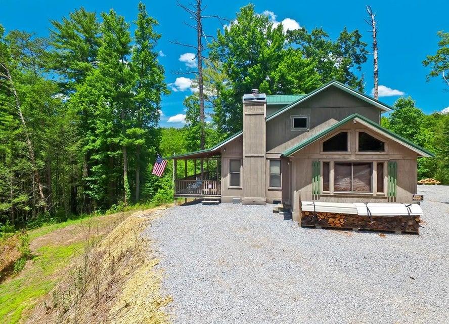 Casa Unifamiliar por un Venta en 4268 Breezy Trail Way Cosby, Tennessee 37722 Estados Unidos