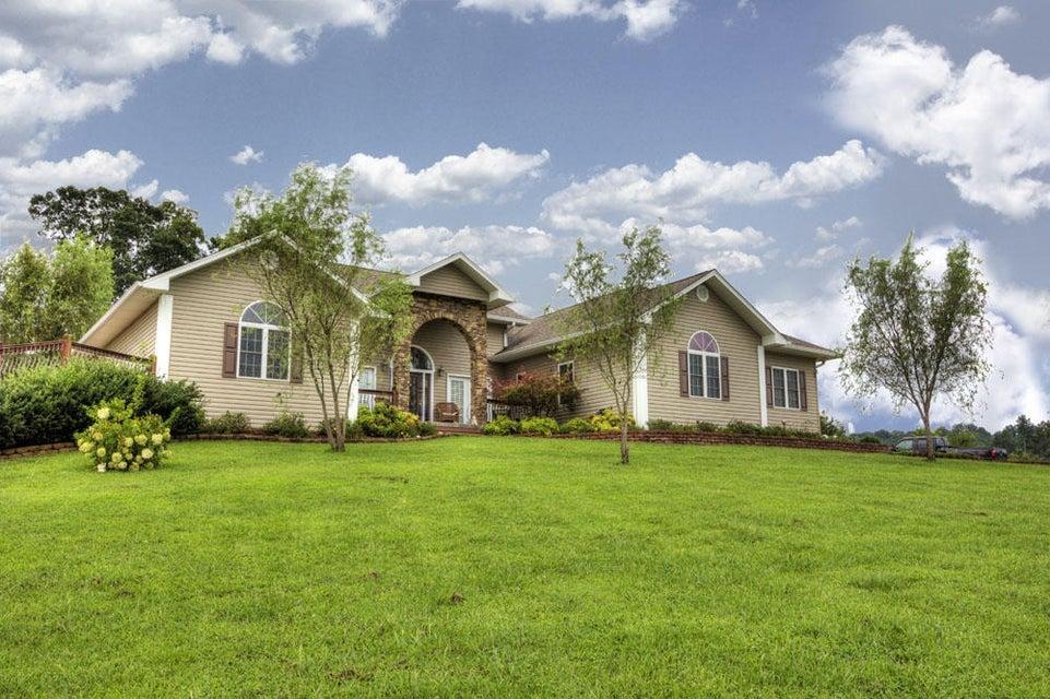 Частный односемейный дом для того Продажа на 2084 Gap Road Philadelphia, Теннесси 37846 Соединенные Штаты