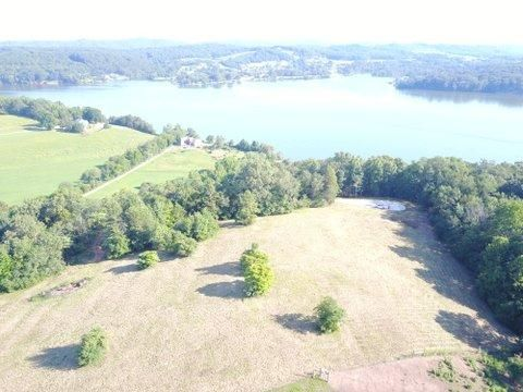 Additional photo for property listing at 1354 Bowman Bend Road 1354 Bowman Bend Road Harriman, Tennessee 37748 États-Unis