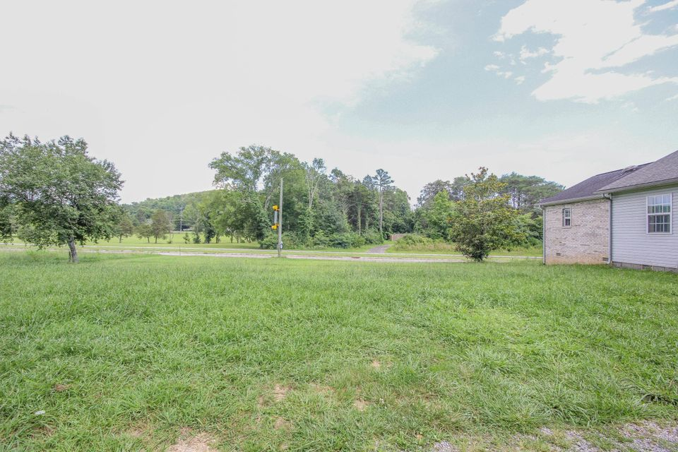 Additional photo for property listing at 3216 Johnson Road 3216 Johnson Road Knoxville, Теннесси 37931 Соединенные Штаты