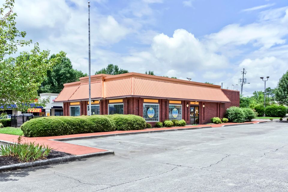 Commercial for Sale at 850 Us-411 Etowah, Tennessee 37331 United States