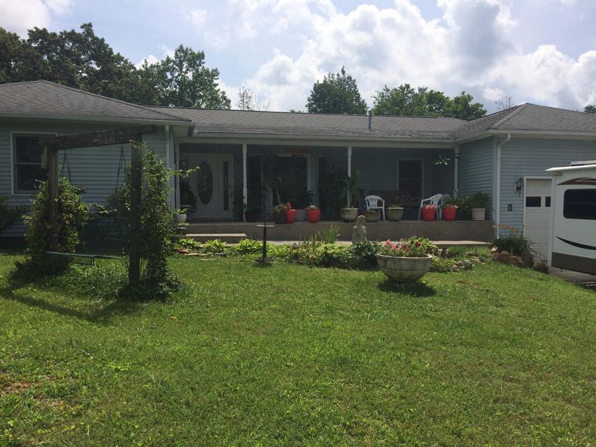 Maison unifamiliale pour l Vente à 4996 Rocky Point Road Cookeville, Tennessee 38506 États-Unis