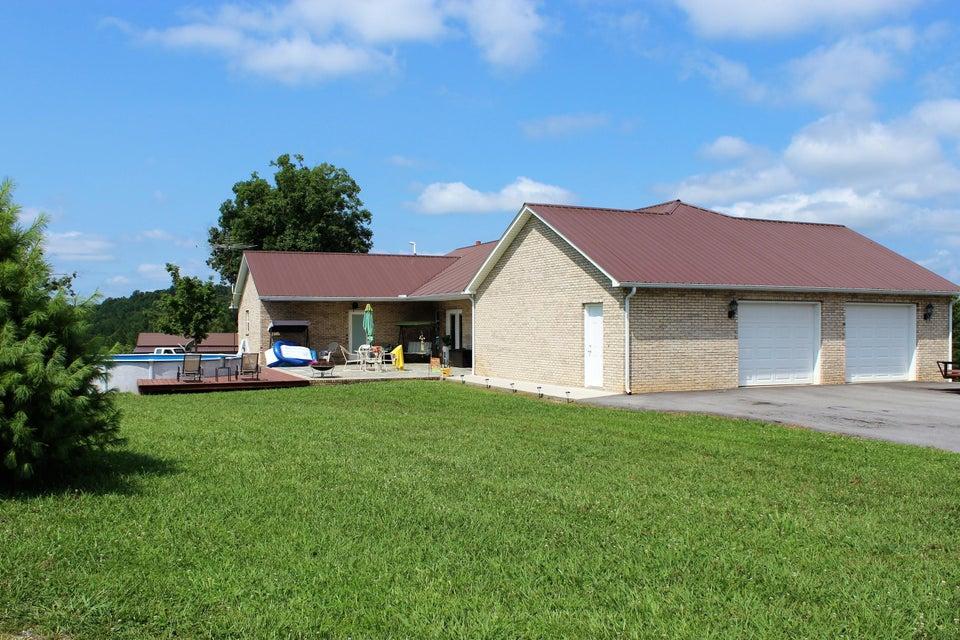Maison unifamiliale pour l Vente à 4799 Ross Road Philadelphia, Tennessee 37846 États-Unis