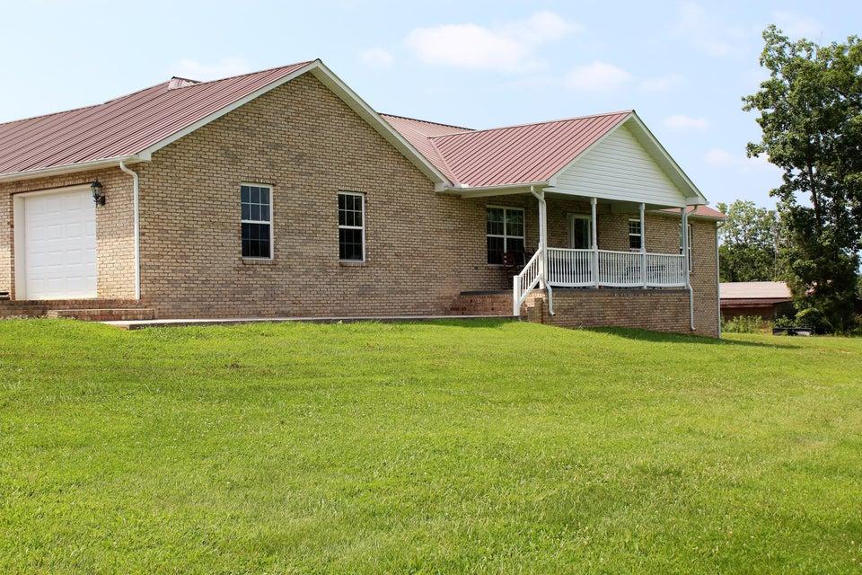 Maison unifamiliale pour l Vente à 4799 Ross Road 4799 Ross Road Philadelphia, Tennessee 37846 États-Unis