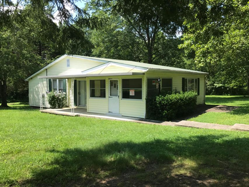 Single Family Home for Sale at 157 Davis Road Road 157 Davis Road Road Sunbright, Tennessee 37872 United States