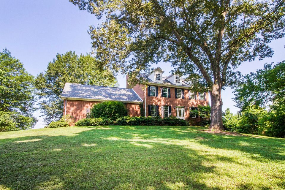 Single Family Home for Sale at 705 Beard Road 705 Beard Road Strawberry Plains, Tennessee 37871 United States