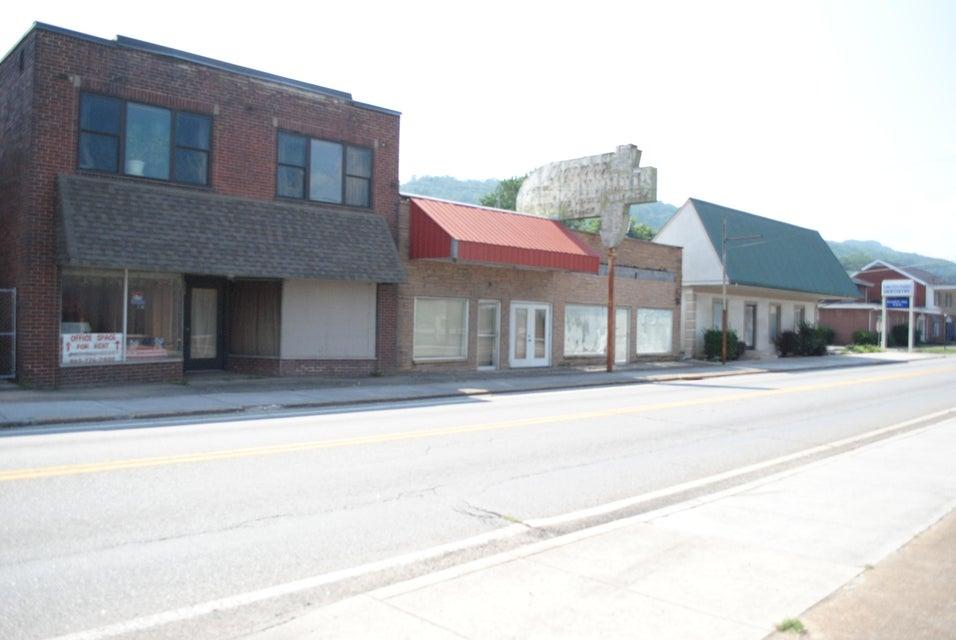 商用 为 销售 在 311 Main Street Lake City, 田纳西州 37769 美国