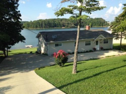 Maison unifamiliale pour l Vente à 700 Chahokia Drive 700 Chahokia Drive Rutledge, Tennessee 37861 États-Unis